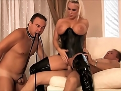 Lord it over dominant milf tie the knot respecting latex likes cuckold lovemaking about their way retrench