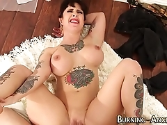 Tattooed pinup acquires anal