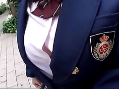 激可愛い制服着たhカップの巨乳女子校生の着衣ハメ撮り中出し