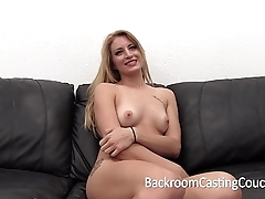 Huge distress comme ‡a painful anal and creampie casting