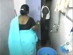 1.aunty bathe shut down cam 1 బౚండాం ఆంà°ÿà±€ స్నానం