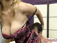 Milf julia ann teases slave with respect to her feet!