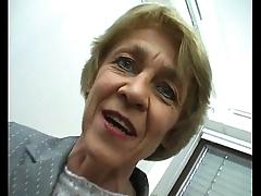 Oma macht gern sextreffen - german granny loves livedates