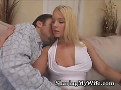 Mammy let's alternate alms-man forth her tights
