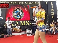 Indonesian off colour dance - inviting sintya riske immoral dance in the first place time